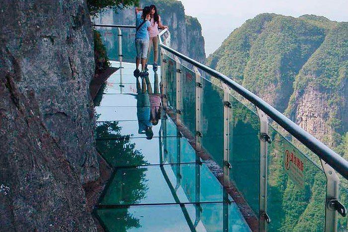 Тур за туром...СТЕКЛЯННАЯ ДОРОГА ДЛЯ ЭКСТРЕМАЛОВ, гора Тяньмэнь, Китай