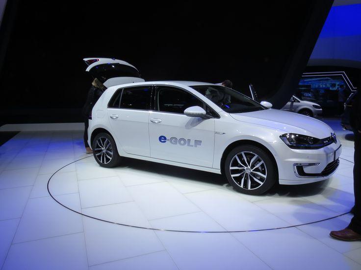 VW viste e-Golf og e-Up! Som VW selv så rigtigt siger, så er det sjældent først med det nye. Men til gengæld er deres markedstiming ofte god. Vil vi også se det med deres elbiler?