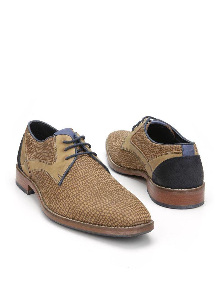 MOOY herenschoen  Description: Cogackleurige geklede veterschoenen van MOOY. Deze herenschoenen zijn gemaakt van leer en hebben een kunststof zool. De schoenen zijn voorzien van blauwe details.  Price: 71.99  Meer informatie