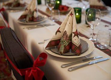 """Naturally Christmas"" winter napkin"