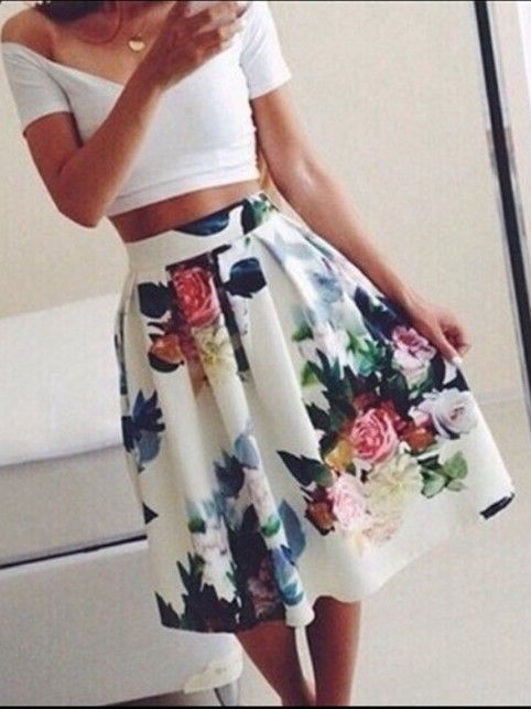 Flower #skirts for everyone! Discover more and download the app on www.fashionlook.co #flowers #summer #trends