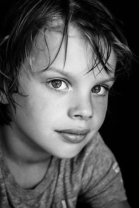 Natasja Nienhuis Fotografie Groningen Kinderportret | Portretten Zwart Wit