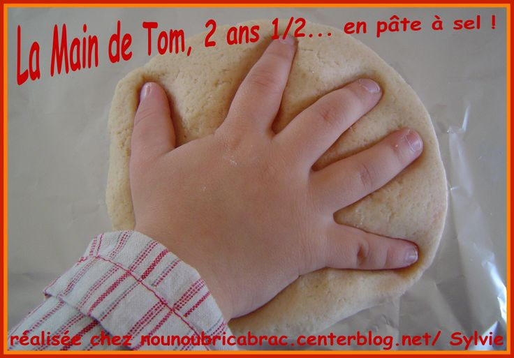 Main de Tom, 2 ans 1/2 pate a sel