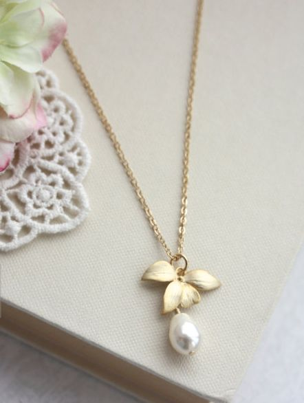 Orchid Flower Pearl Gold Necklace. An Orchid Jewelry. Bridesmaids Gifts. Gold Orchids, Pearl Wedding Jewelry