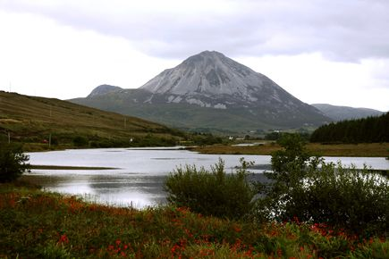 PHOTOGRAPHS OF DONEGAL  A popular tourist destination, Mount Errigal rises to a height of 751 metres and is found to the western end of the ...