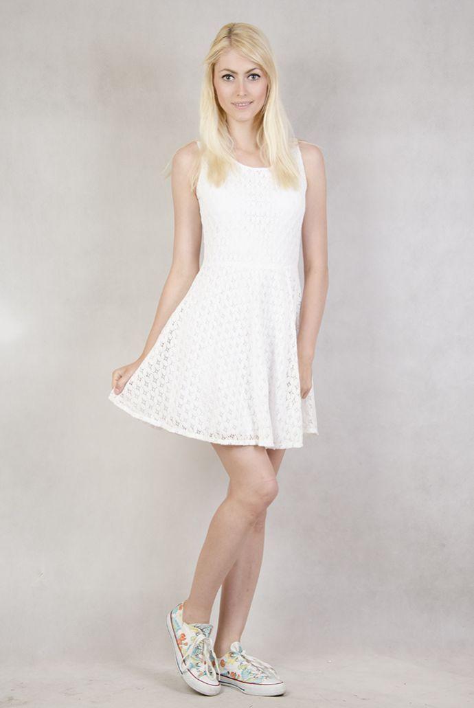 Sukienka ekri haftowana