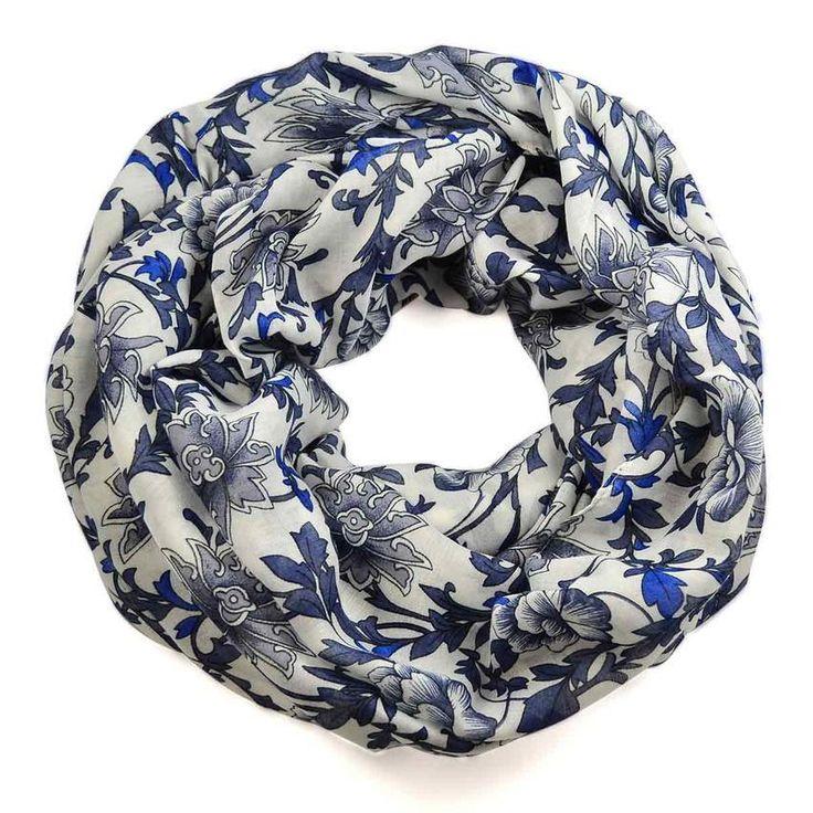 Tunelová šála 69tu004-01.36a - bílá s modrým květinovým potiskem - Bijoux Me!