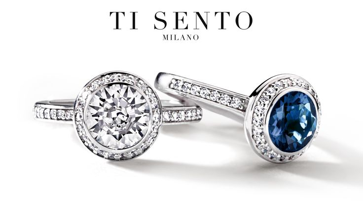 Beautiful rings with a white or petrol blue stone in the centre