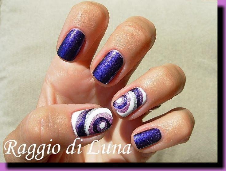 Raggio di Luna Nails: Abstract on purple
