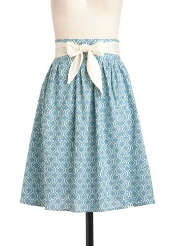 Pretty blue skirt with bow detail
