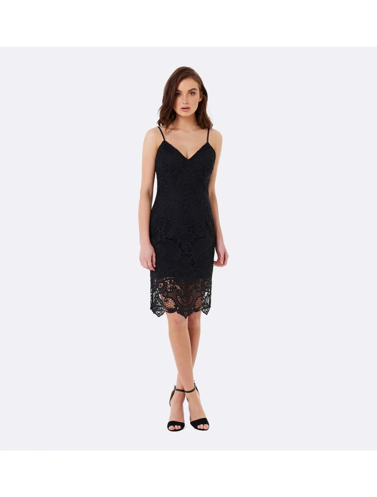 Arrive in style to your next big event, with our covetable Nicole lace Pencil Dress, ideal for refined cocktail hours and vibrant parties.