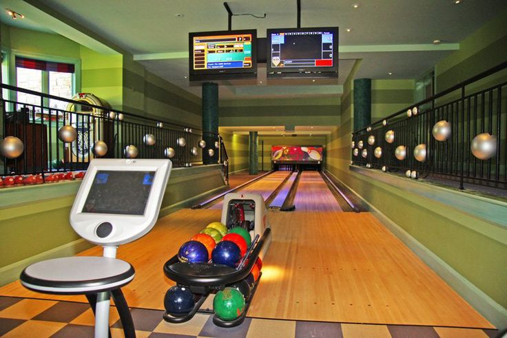 13 777 Sq Ft Mansion In Novi Mi Millionaire Toys Global Bowlingalleys Privatebowlingalley