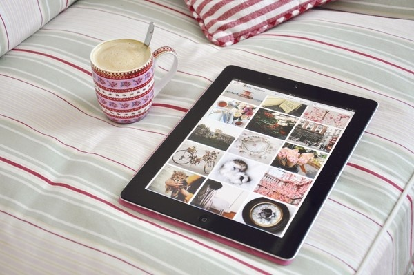 coffee and weheartit on the couch