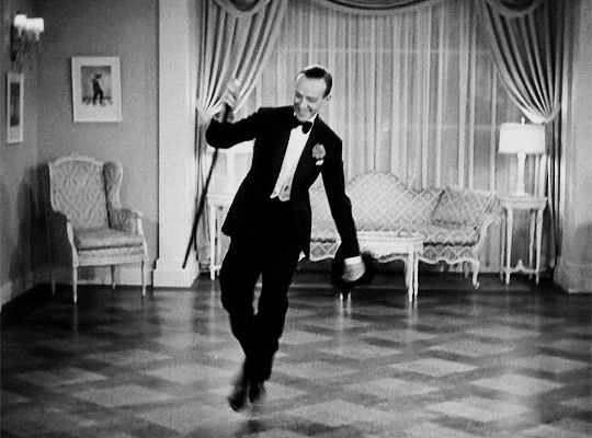 Fred Astaire in Shall We Dance  (Mark Sandrich, 1937)gif posted by   ohrobbybaby