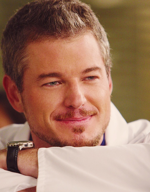 It's the moments when mark has a true smile in greys anatomy that i shed a tear :')