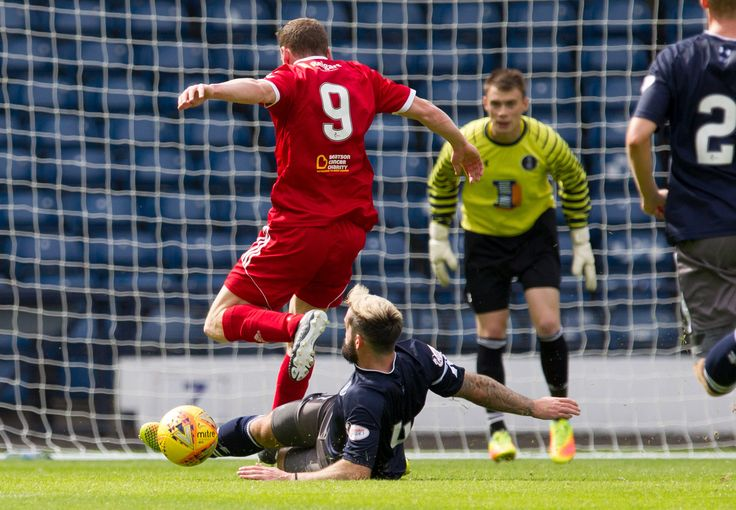 Queen's Park's Bryan Wharton in action during the SPFL League One game between Queen's Park and Albion Rovers.