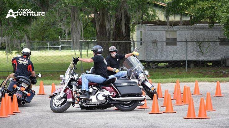 Com sede nos EUA, instituição foi criada em 2014 - Revista Moto Adventure - News - Conheça a Razor: Escola de pilotagem e alta performance em motos de alta cilindrada
