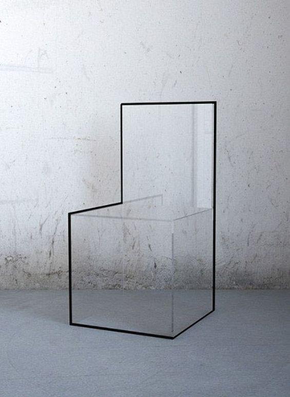 Nissa Kinzhalina氏の作品。アクリル板を組み合わせて作られた、だまし絵のような椅子です。