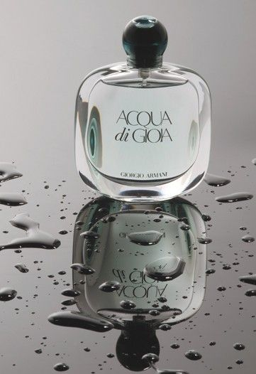 Acqua di Gioia Giorgio Armani - easily my favorite scent. a refreshing mix of florals and water