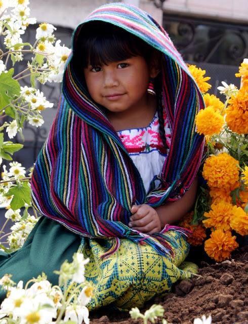Niña Purepecha, una de las culturas prehispánicas que viven en #México.