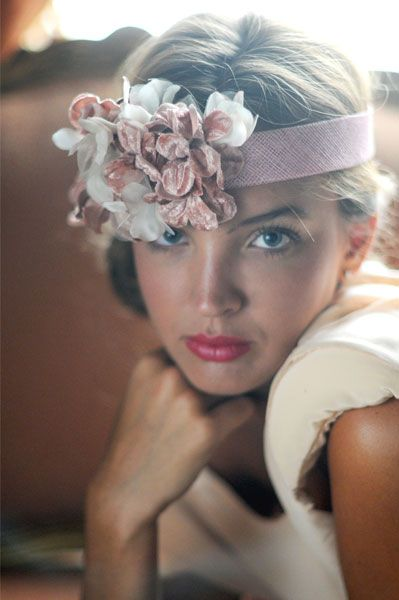 #tocado #Cherubina #invitada #boda #sombrero #headpiece #hat #attendance #wedding #headband #velvet #flowers