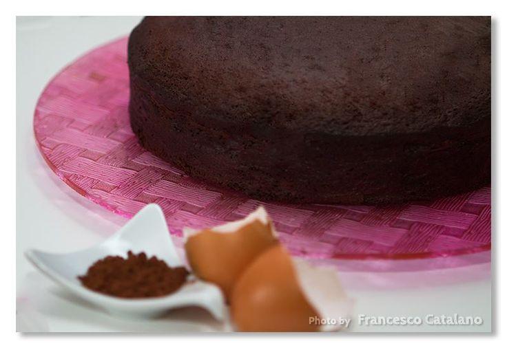 Devil's food cake, di Nigella Lawson Devil's food cake  Oggi vi propongo un dolce molto famoso e assolutamente goloso, la Devil's food cake! Letteral