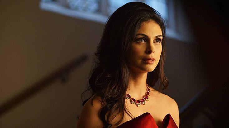 Morena Baccarin in Gotham (2014)