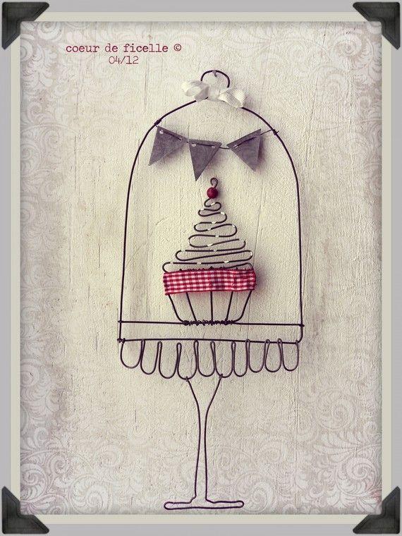 Cloche en fil de fer et son cupcake