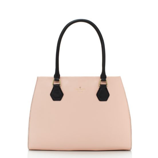 Classic pink #KateSpade purse. We're drooling too.