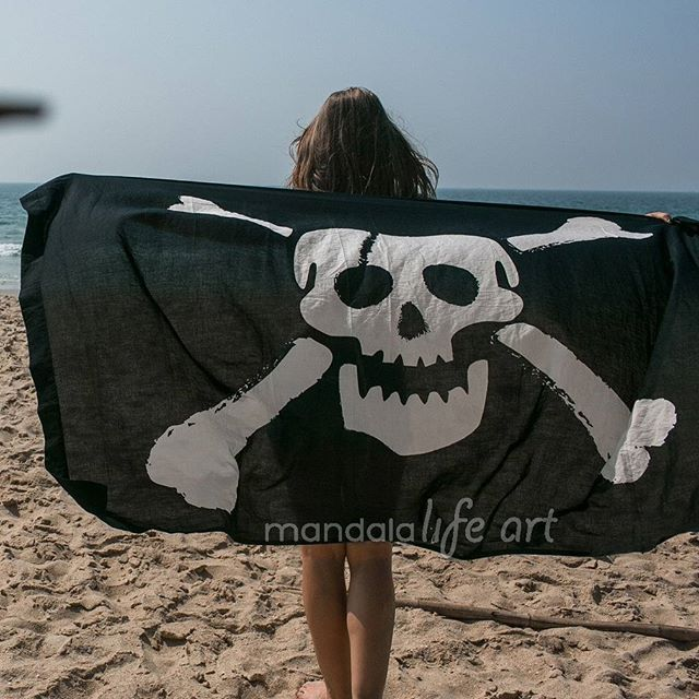 It can be oversized pirate flag  It can be beach throw  It can be sarong or pareo  And its 15usd only  Check our bio for link . . . #skullshop #pirate  #skulls #frida #skull #mexicantradition #mexico #friday # weekend #caveira #caveiras #art