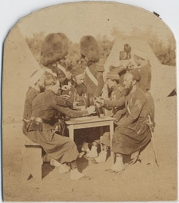 French zouaves and grenadiers in the Crimean War