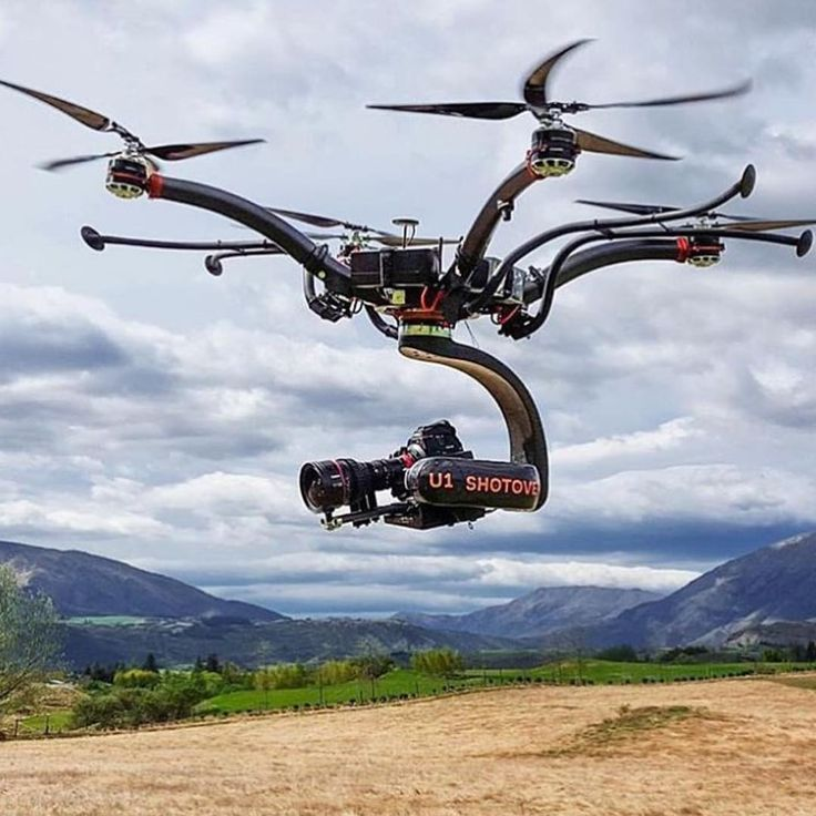 """Spotted on the @nycdroneff feed - check out this heavy lifter"""
