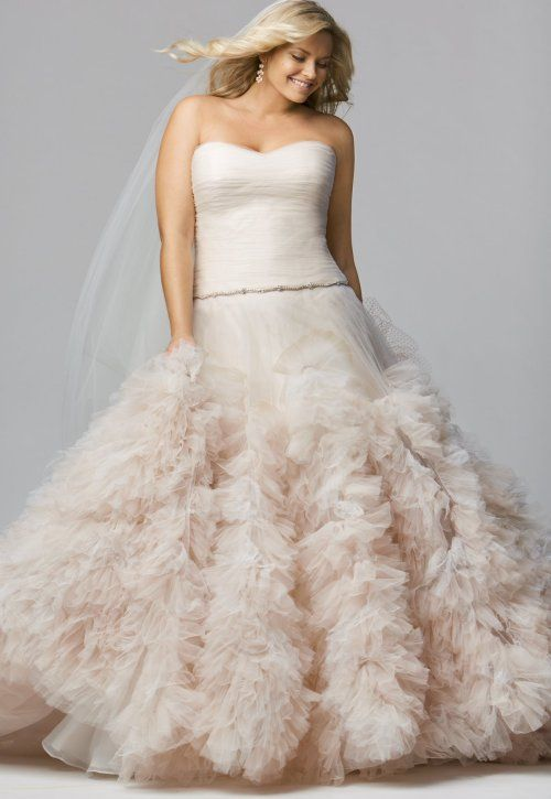 Prettiest 8 Plus Size Summer Wedding Dresses Treat The Princess In You With This Glamorous Strapless Gown Dropp