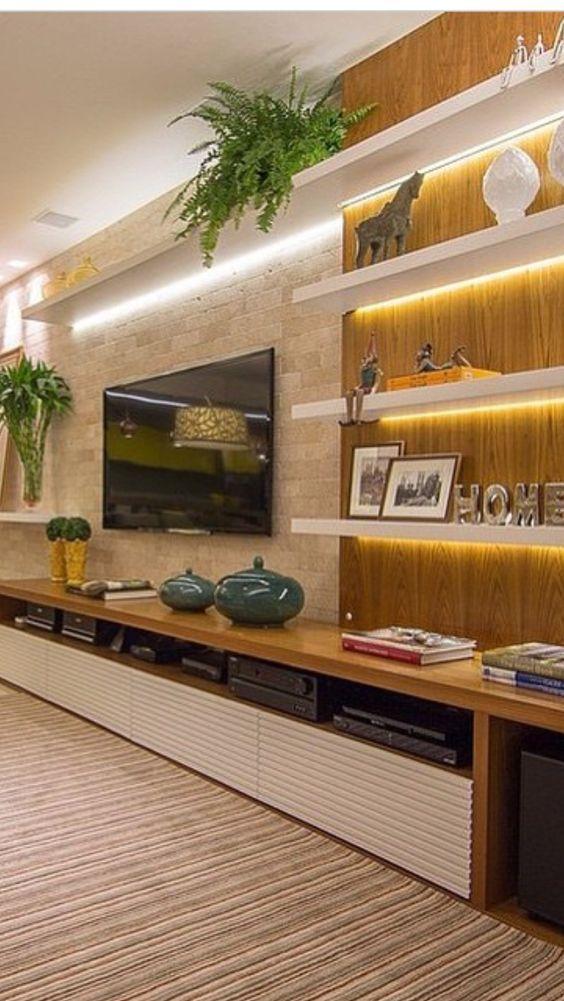 schwimmende Regale und ein an der Wand montierter Fernseher macht mich glücklic… – Wohnzimmer idee