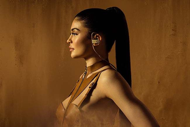Kylie Jenner for Balmain x Beats by Dr. Dre headphones. #BALMAINBEATS #Powerbeats3Wireless #StudioWireless #Balmain #KylieJenner
