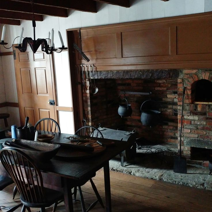 how to build a colonial cooking fireplace
