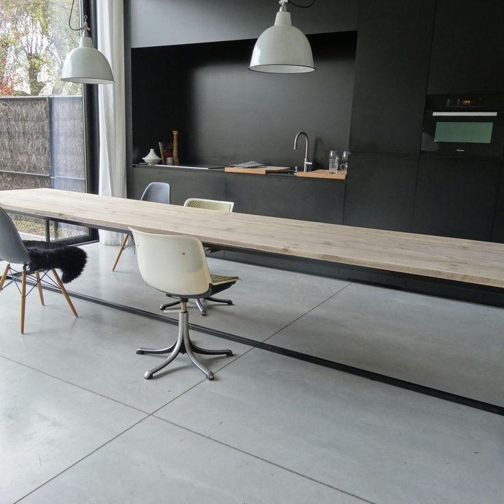 Industriele tafel van PURE Wood Design | Markita.nl