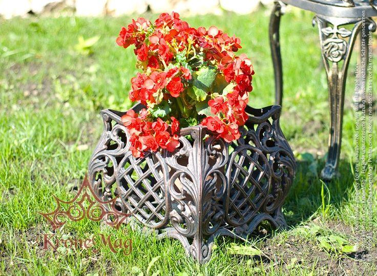 """Jardiniera flori """"BOLOGNA S"""" realizata din aluminiu. Jardiniera pentru flori este destinata pentru amenajarea gradinilor, curtilor, teraselor."""