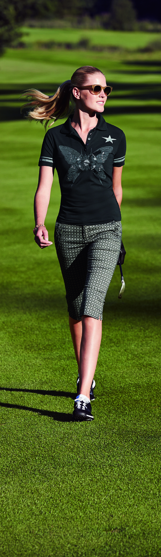With their stunning geometric mini print, these slim-fit golf pants will bring a touch of extravaganza right into the clubhouse.