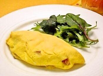 朝食にお薦めのボリュームのあるオムレツです。しっかり食べて、出かけましょう。【レシピ出典:東京ガス 食情報センター】