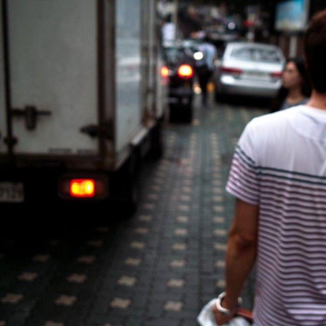 tak930 / #friend on #streetphotography #foveon #dp2 #2013rainyday #nofilter #noedit #instagood #instadaily #일상 #데일리 / #골목 #사람 /