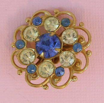 Sapphire blue rhinestone vintage brooch by teeztreasuretrove