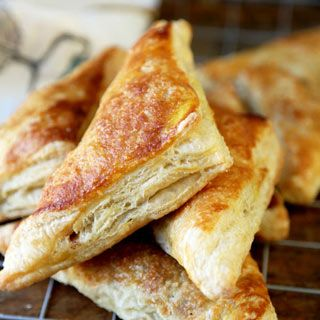 Light and flaky, sweet and tangy Apple Turnover Recipe ready to serve in 40 minutes! These may just be the best apple turnovers you've ever tasted!