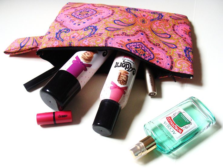 Pochette tessuto hippie rosa - fantasia indiana. ideale come per contenere l'indispensabile di cui non si può far a meno ogni giorno!