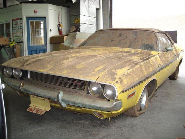 Barn find Dodge Challenger