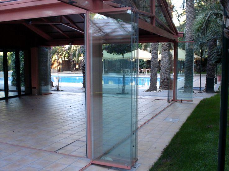 Separar espacios con Cortinas de cristal