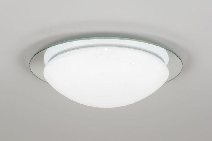 Art 10871 Mooie plafondlamp (38cm) met led verlichting voorzien van een sterrenhemel effect. Deze plafondlamp is voorzien van ingebouwd led dat verstelbaar is in drie verschillende tinten licht. (van 3000K-6000K ) U kunt dit eenvoudig doen door de wandschakelaar te gebruiken.https://www.rietveldlicht.nl/artikel/plafondlamp-10871-modern-wit-mat-kunststof-rond