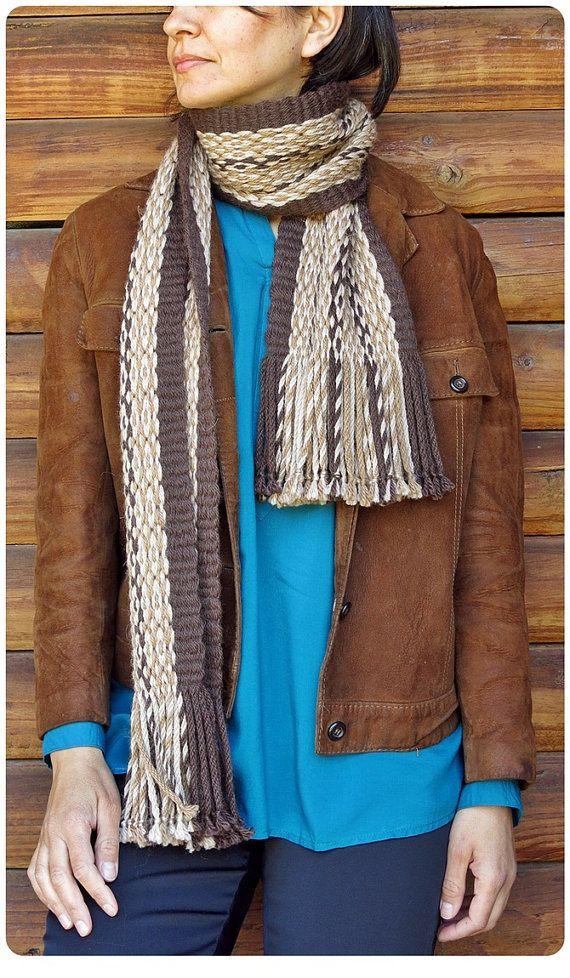 "Scarf woven in Mapuche loom in Pehuenche tecnique named ""Ojo de Guanaco"", 90% alpaca wool. For sale on Etsy in ""TelaresNUEVOMUNDO"""