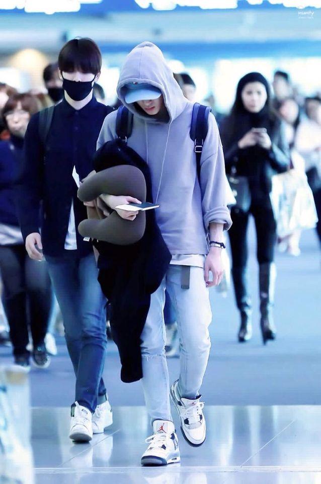 160216 Smrookies Taeyong & Jaehyun at BKK Intl - ICN Airport