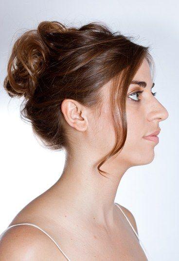 Lässige Hochsteckfrisur: Step 5 - Frisuren zum Selbermachen: Lässige Hochsteckfrisur - gofeminin